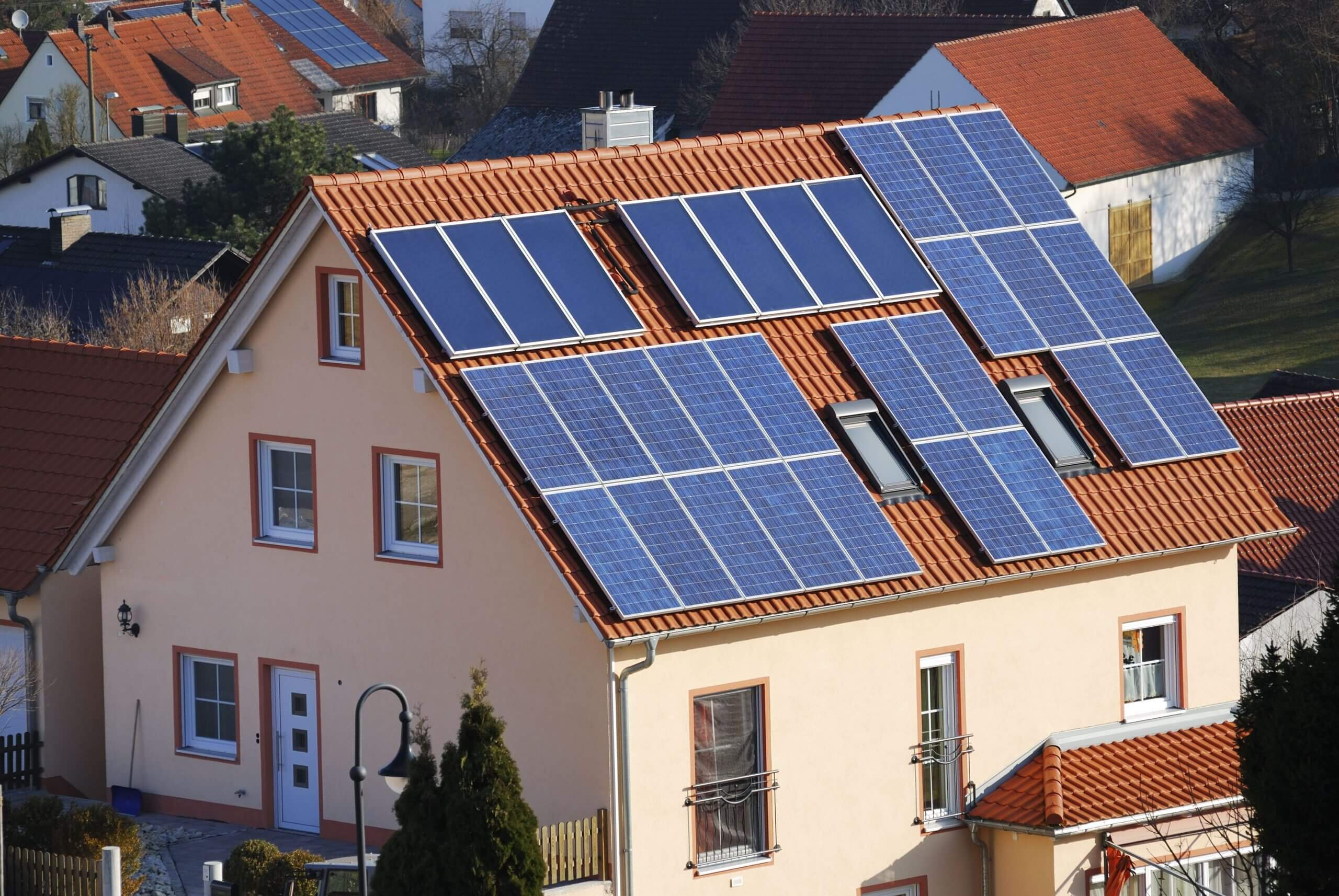 A Complete Guide for Homeowners to Install Solar Panel